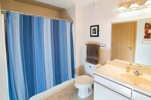Clybourn Place - Bathroom