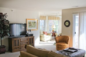 Sauk Gardens - Living Room