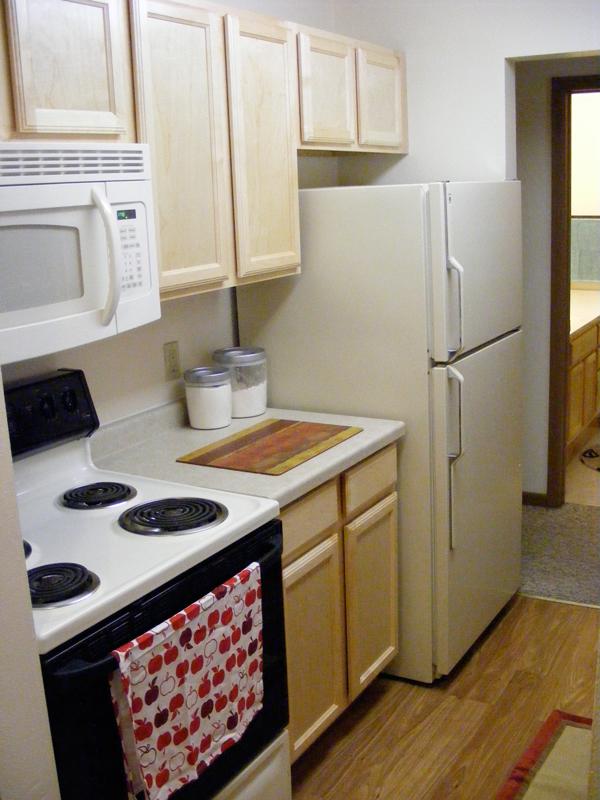 College Park Springbrook Row - Kitchen