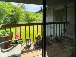 Pheasant Run I balcony